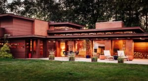 Stay The Night Inside This Frank Lloyd Wright Home That's Listed On AirBnB