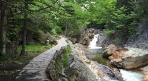 The Hike To This Pretty Little New Hampshire Waterfall Is Short And Sweet