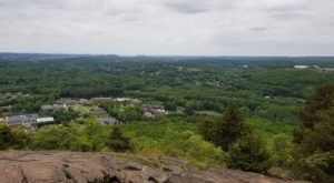 This Beautiful And Scenic Trail In Connecticut Is Perfect For Beginners