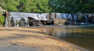 South Carolina's Most Refreshing Hike Will Lead You Straight To A Beautiful Swimming Hole