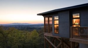 This Mountaintop Tree House Retreat Might Be The Best Kept Secret In Virginia