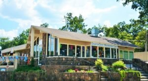 You'll Love The Views And Food At This Waterfront Cafe In Oklahoma
