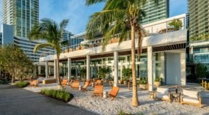 The Bayfront Restaurant In Florida That Will Have You Dining At The Water's Edge
