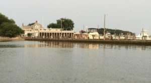 This Floating Restaurant In Maryland Is Such A Unique Place To Dine