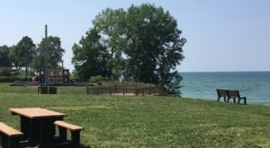 This Little-Known Ohio Park Overlooks A Beach And It's Picture Perfect