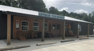 The Charming Out Of The Way Flea Market In Mississippi You Won't Soon Forget