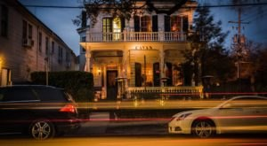 There's A Restaurant Hiding Inside This Historic Mansion In New Orleans And You'll Want To Try It