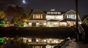 The Boathouse Restaurant In Connecticut That Belongs On The Top Of Your Summer Dining Bucket List