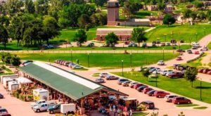 This Enormous Roadside Farmers Market In South Dakota Is Too Good To Pass Up