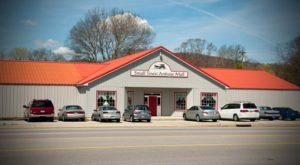 You Can Find Anything You've Ever Dreamed Of At This Rural Tennessee Antique Mall