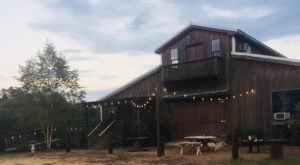 There's A Delicious Steakhouse Hiding Inside This Old Mississippi Barn That's Begging For A Visit