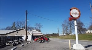 The Burgers And Shakes From This Middle-Of-Nowhere Indiana Drive-In Are Worth The Trip
