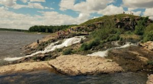 This 3-Mile Hike In Iowa Leads To The Dreamiest Swimming Hole