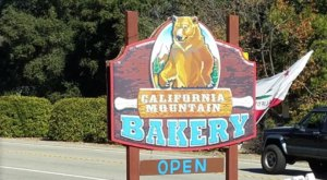 The Southern California Country Bakery With Cinnamon Rolls As Big As Your Head