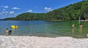 The Secret Beach Near Cincinnati Where The Water Is A Mesmerizing Blue
