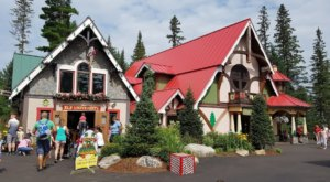 The Christmas Theme Park In New Hampshire Where You'll Have Loads Of Unforgettable Fun