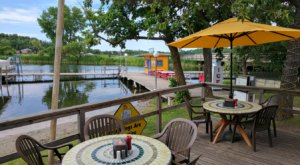 Dine In A Tropical Wonderland At Minnesota's Most Colorful Waterfront Restaurant