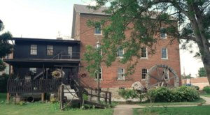 Dine At This Historic Iowa Restaurant Tucked Away In A Beautiful Grist Mill