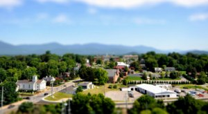 This Picturesque Small Town In Virginia Is Positively Surrounded By Incredible Outdoor Attractions