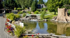 This Nature-Themed Mini Golf Course In Oregon Is Insanely Fun