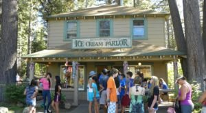 This Old-Fashioned Ice Cream Parlor Hiding In The Northern California Forest Is A Must-Visit This Summer