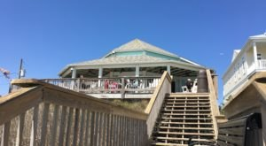 The Oceanside Grill In This Tiny North Carolina Beach Town Is The Perfect Dinner Spot