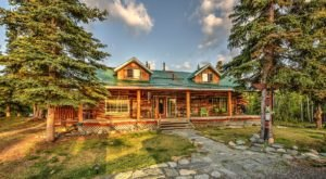 The Log Cabin Bed And Breakfast In The Alaskan Interior You Can't Pass Up
