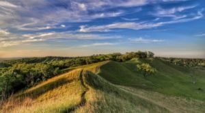 Iowa's Most Scenic Ridge Trail Shows Off Breathtaking Views Of The Loess Hills