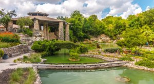 Few People Know There's A Peaceful Japanese Tea Garden Hiding Right Here In Texas