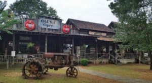 8 Small Town Alabama Restaurants That The Locals Love