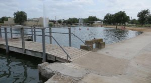 This Beautiful Pond Park In Texas Has A White Sandy Beach That Rivals The Coast