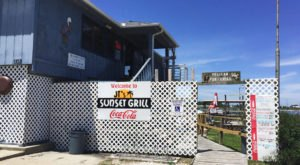 The Bayside Grill In This Tiny Alabama Beach Town Is The Perfect Dinner Spot