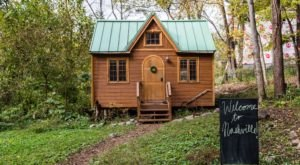 This Tiny House In Nashville Is The Most Popular AirBnB In The State, And It's Easy To See Why