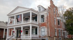 This Beautiful And Historic Mansion Is One Of The Most Haunted Places In Kentucky