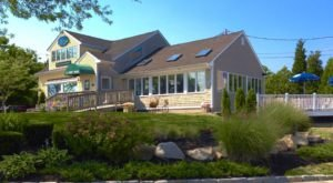 Dine At The Secluded 15 Point Road Restaurant In Rhode Island For A Fantastic Meal
