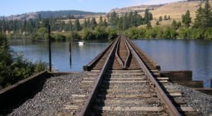 This Abandoned Railway Hike In Washington Is A Historic Treasure