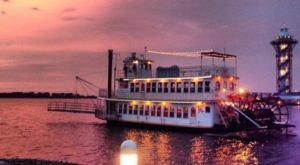 Spend A Perfect Day On This Old-Fashioned Paddle Boat Cruise Near Pittsburgh