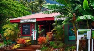 This Charming Roadside Farmers Market In Hawaii Is Too Good To Pass Up