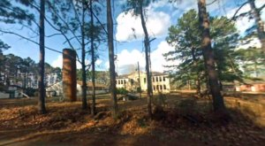 The Photos Of The Abandoned Kisatchie School In Louisiana Will Mesmerize You