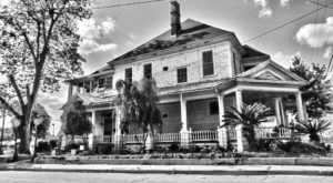 The Bell House In Valdosta, Georgia Has A Truly Sordid History