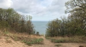 Take Trail 10 In Indiana Dunes National Park For An Unforgettable Hike