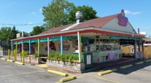 Visit Bobbie's Dairy Dip, The Small Town Burger Joint In Nashville That's Been Around Since 1951
