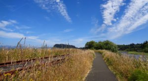 The Riverfront Walk In This Coastal Oregon Town Is 6.5 Miles Of Breezy Beauty
