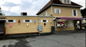 This Small Town Ice Cream Shop In New Hampshire Has The Creamiest Soft Serve