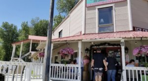 The Old-Fashioned Sarsaparilla Parlor In Idaho That's Fit For A Cowboy Is A Must-Stop