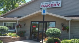 Sink Your Teeth Into Authentic Dutch Pastries At Boonzaaijer Bakery In Michigan