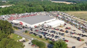 You Could Spend All Day At This Awesome Flea Market In North Carolina