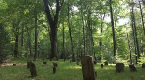 The Creepy Hike In Tennessee That Will Lead You Straight To A Graveyard