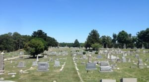 The Blandford Cemetery In Petersburg Is One Of Virginia's Spookiest Cemeteries