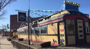 This Old Dining Car Serves Up The Best Chicago-Style Hot Dogs You'll Find In Minnesota